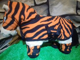 Crafty Ponies Snuggle rug set and instruction booklet Tigga